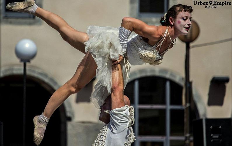humoristische acrobatiek show