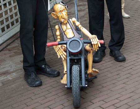 walkact bike rider