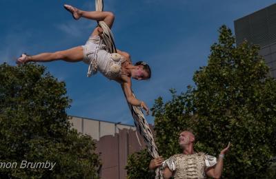 humoristische acrobatische show