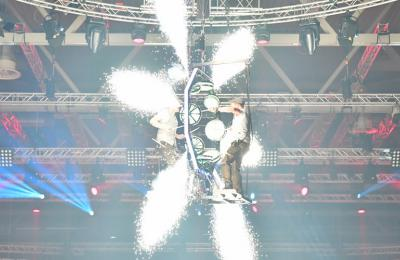 flying drummers